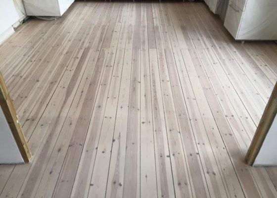 Få et glot trægulv med en grundig gulvafslibning