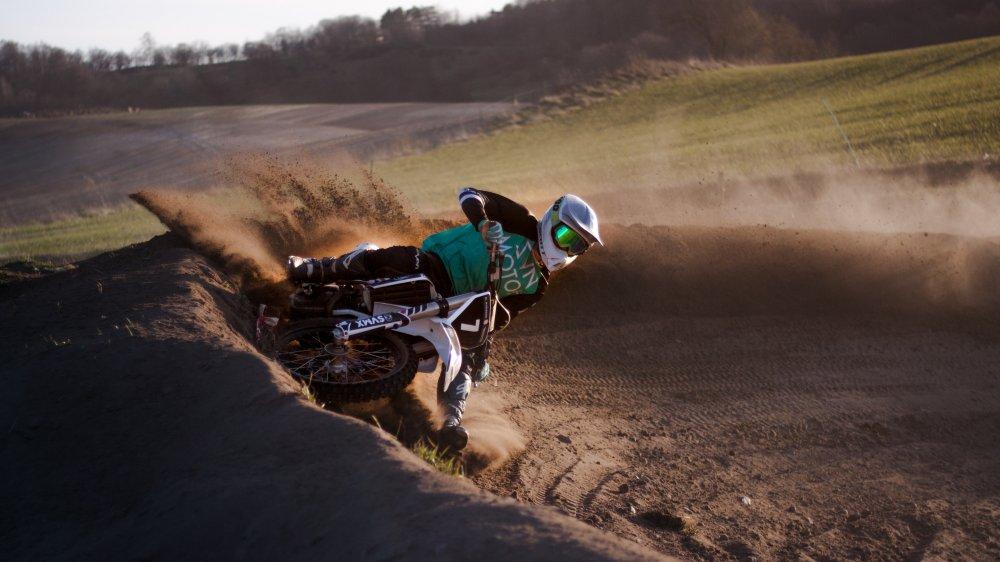 Du bør overveje at finde reservedele til motocross